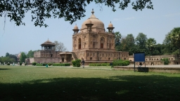 Allahabad au confluent de deux mythes